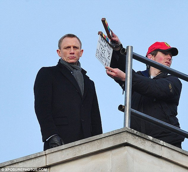 Skyfall-set-01