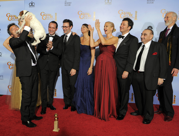 movies_golden_globes_2012_press_room_21
