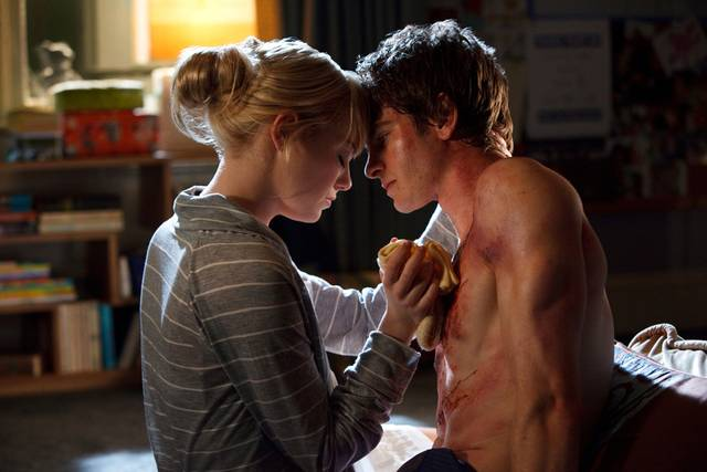 the-amazing-spider-man-06-emma-stone-andrew-garfield_mid