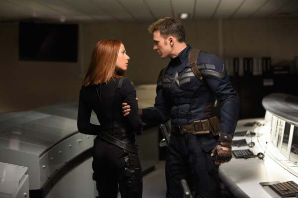 captain-america-the-winter-soldier-scarlett-johansson-chris-evans-600x399-copia